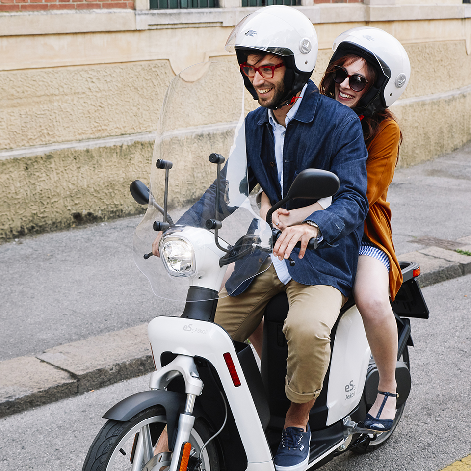 Askoll Electric Scooter Es3 Electricmotorcycles News