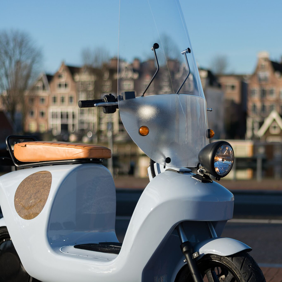 Electric Motorcycles News - Be.e electric scooter