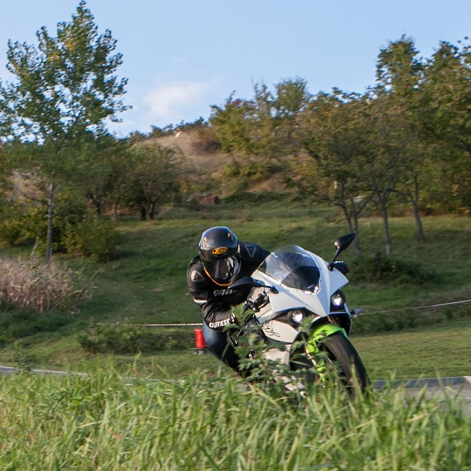 Open eSBK races - Electric Motorcycles News