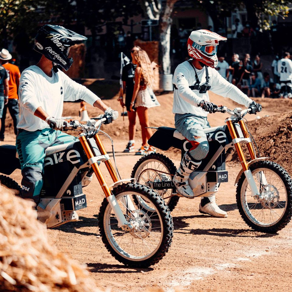 Elektra future CAKE - St-Tropez - THE PACK - Electric Motorcycles News