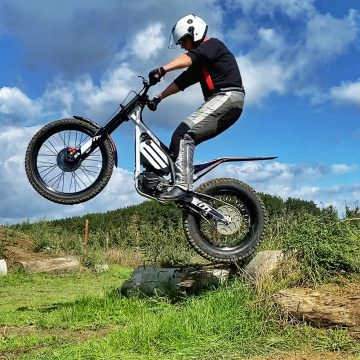 Electric_motion_center_Epure_2_guy_salens_6_header_2