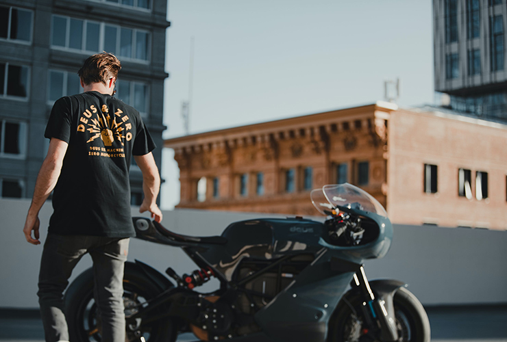 Zero Motorcycles and Deus ex Machina have created the first fully customized Zero SR/S