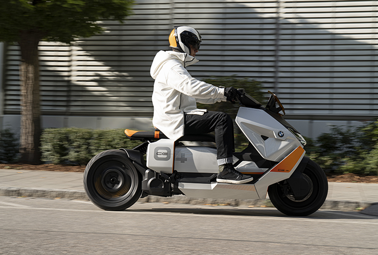 BMW Definition ce-04 - THE PACK - Electric Motorcycles News
