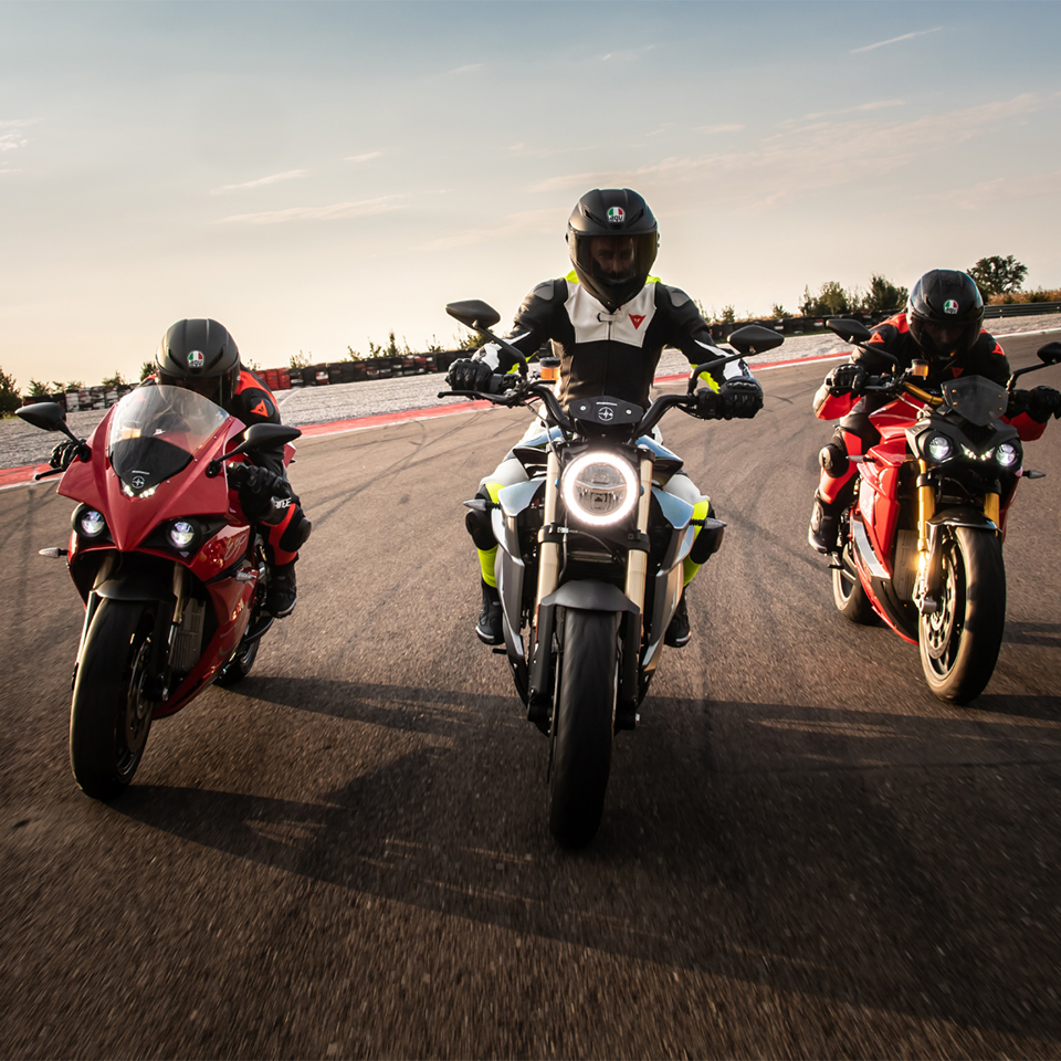 Energica 2021 - THE PACK - Electric Motorcycles News