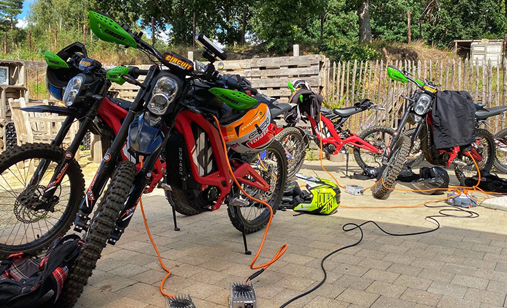 Sur-Ron-center |Endurofun België |THE PACK |Electric Motorcycles News