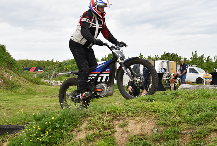 Electric Motion Testing Day Belgium - THE PACK - Electric Motorcycles News
