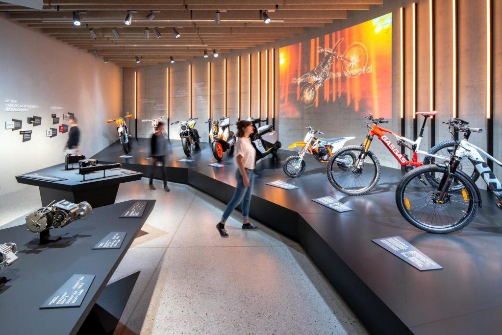 Husqvarna Vektorr - THE PACK - Electric Motorcycles News