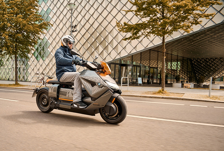 BMW CE04 - THE PACK - Electric Motorcycles News