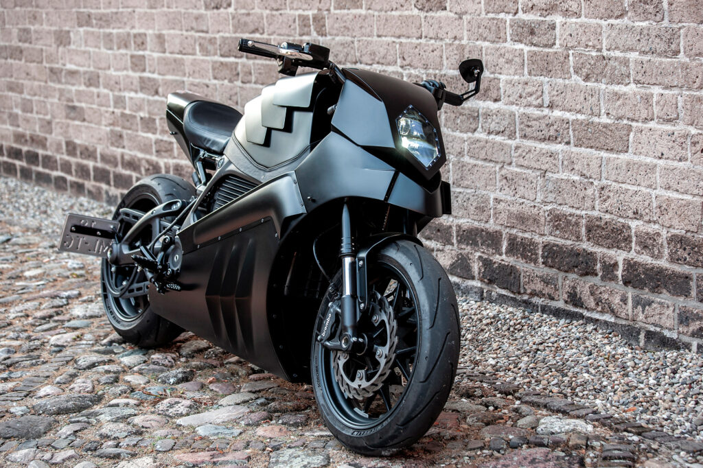 Moto Adonis - The Rule Breaker - THE PACK - Electric Motorcycle News