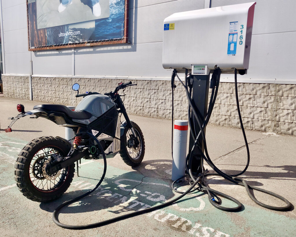ScrAmper - EMGo Technology - THE PACK - Electric Motorcycle News