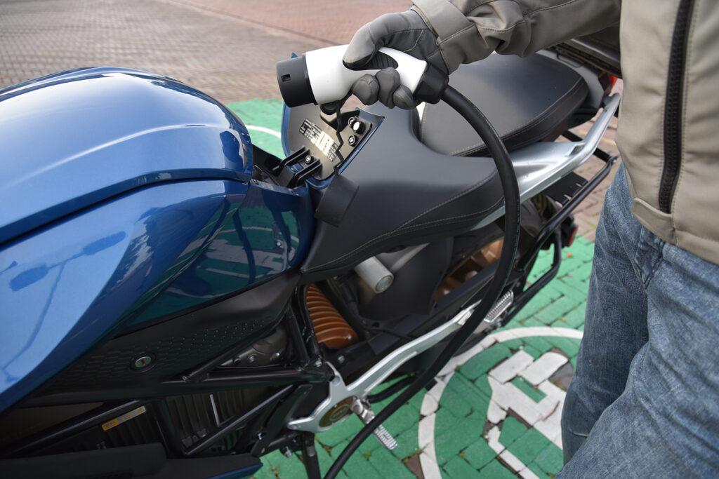 Zero SR/S - Zero Motorcycles - THE PACK - Electric Motorcycle News - Motorguy